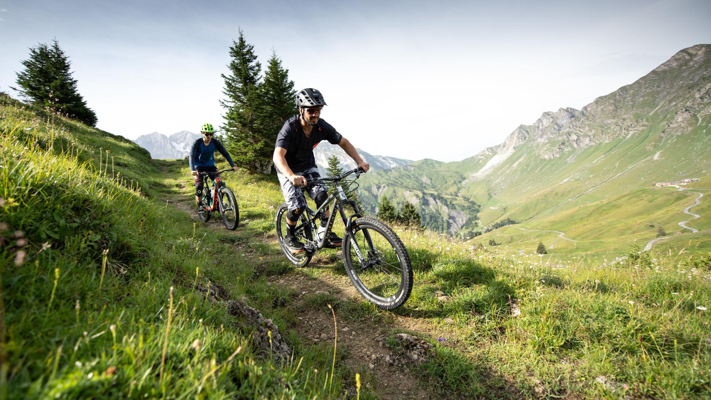 Striking panoramas to enjoy on your bike or e-bike.